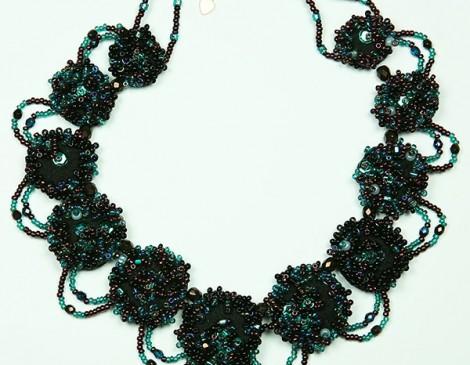 collier feutrine noire